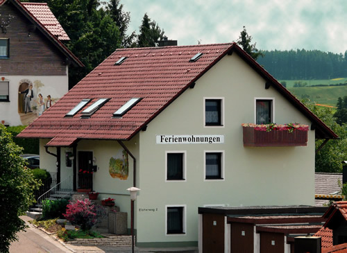 Frontansicht unsere Appartement-Hauses